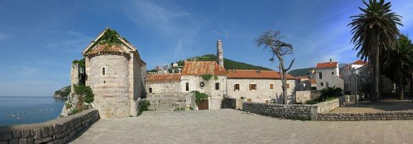Стара Будва - Фортеця і море поруч